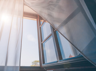 v_kakoi_sezon_delat_balkon