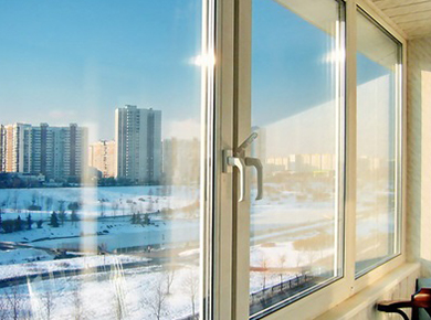 osteklenie_balkona_zimoi